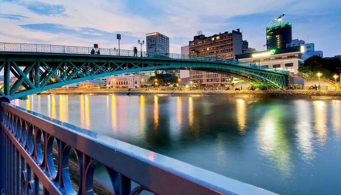 Cầu Mống - Địa Điểm Ngắm Pháo Hoa Lý Tưởng Của Giới Trẻ Năm 2020