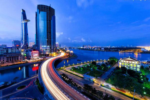 Cầu Khánh Hội - Địa Điểm Ngắm Pháo Hoa Lý Tưởng