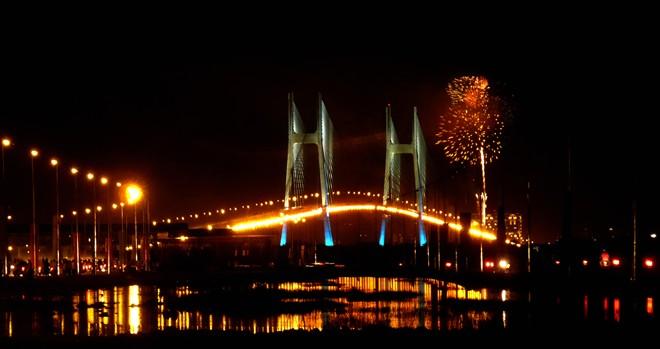 Cầu Phú Mỹ - Địa Điểm Ngắm Pháo Hoa Ít Ai Biết Đến